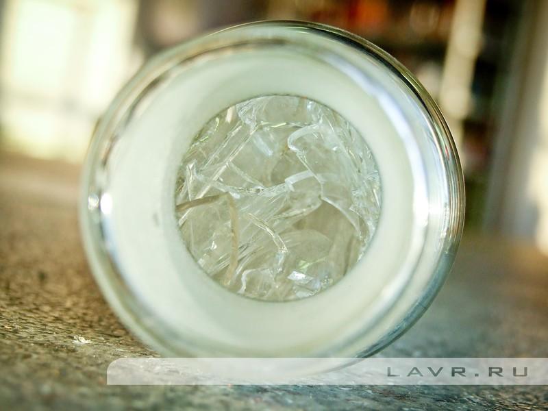 Суть эксперимента проста: сравнить скорость стекания и уровень несливаемого остатка для двух образцов - отработавшего масла и его же, но с добавлением препарата LAVR для промывки масляной системы.